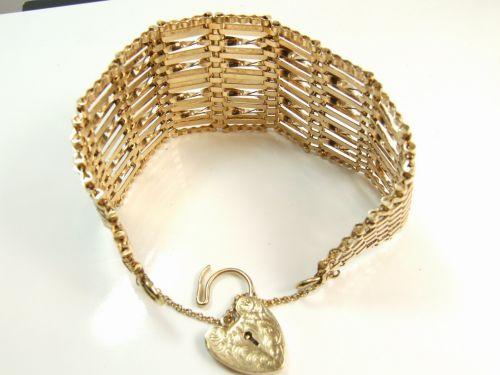 9ct Gold 12 Bar Gate Ladies Bracelet