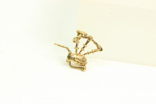 9ct Gold Charm-Bagpipes