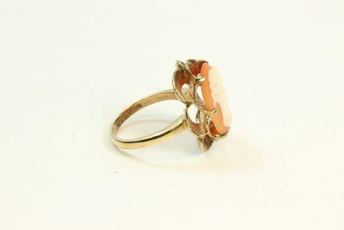 9ct Gold Cameo Set Dress Ring