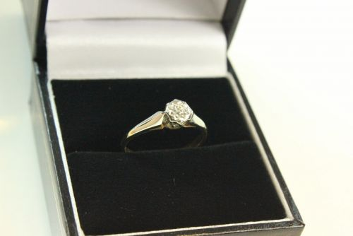18ct Gold Diamond Solitaire Ring.