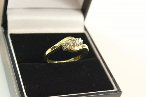 18ct Gold Diamond 0.25ct 3 Stone Ring.
