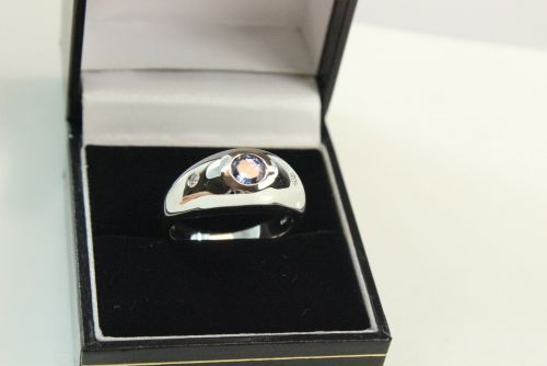 14ct White Gold Sapphire Diamond Ring