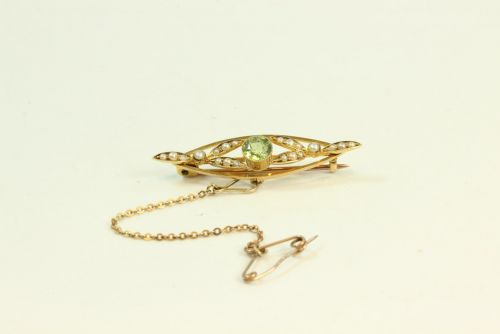15ct Gold Stone Set Brooch