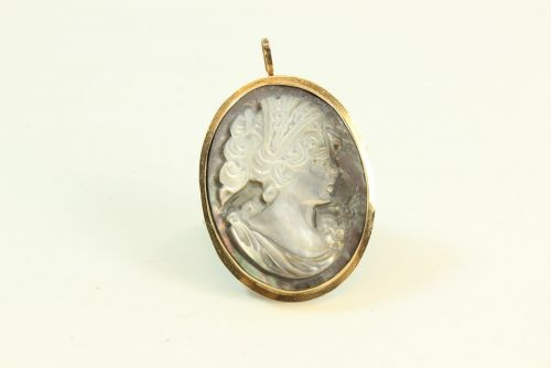 14ct Gold Cameo Brooch