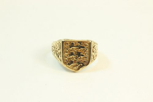 9ct Gold Gents England Signet Ring.