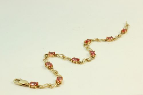 18ct Gold Stone Set Ladies Bracelet