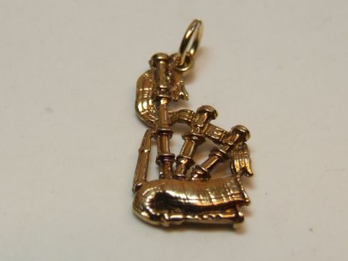 9ct Gold Solid-Bagpipes