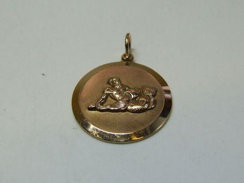 9ct Gold Solid Zodiac Pendant-Aquarius