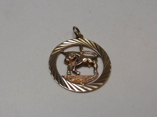 9ct Gold Zodiac Pendant-Taurus