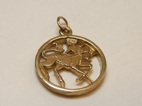 9ct Gold Zodiac Pendant -Sagittarius