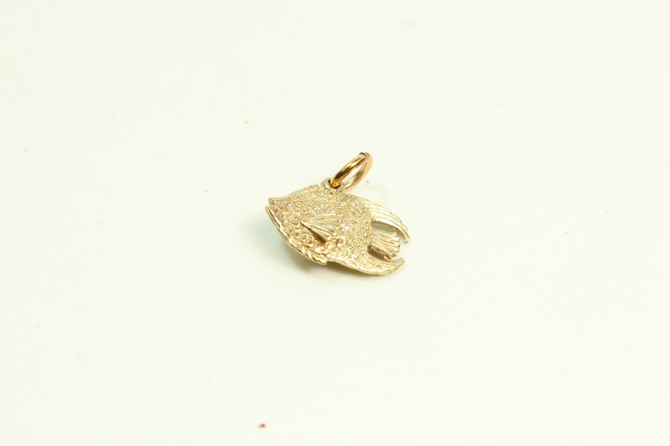 9ct gold solid charm fish for Gold fish charm