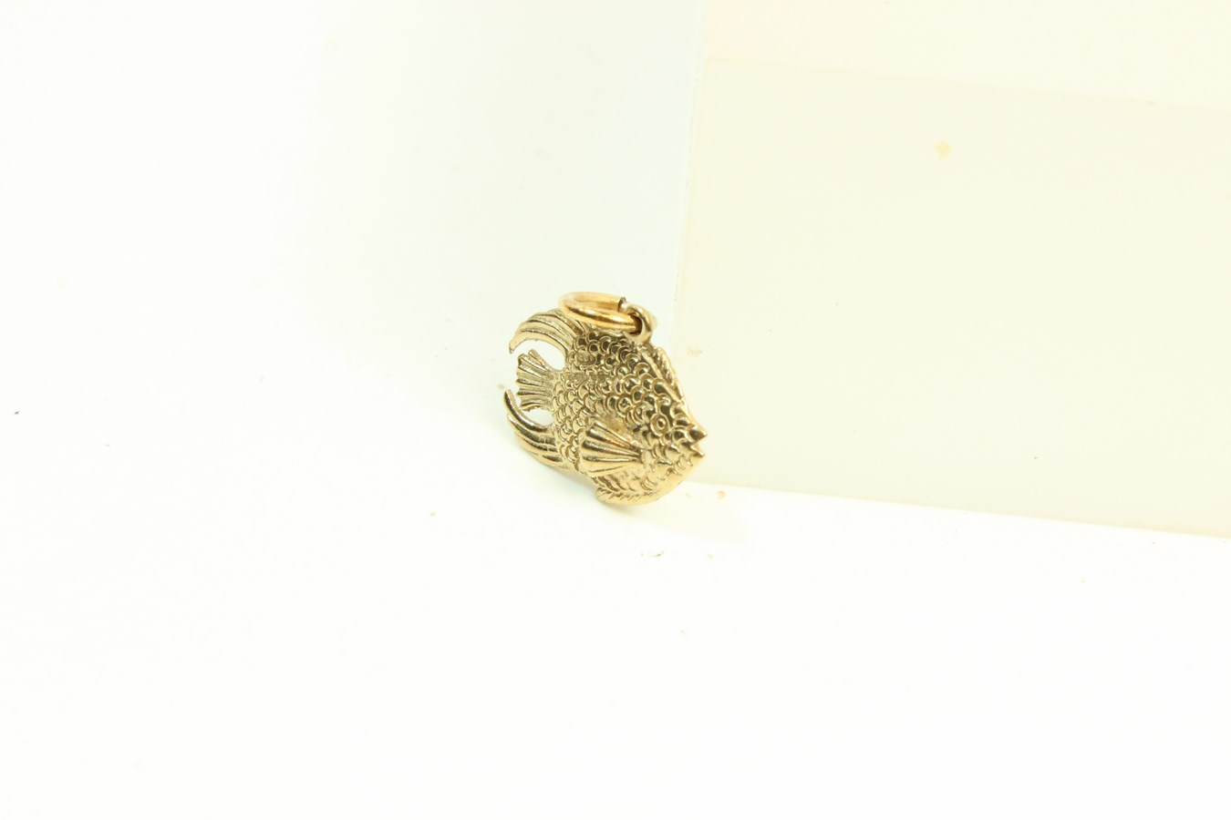 9ct gold solid charm fish for Solid gold fish