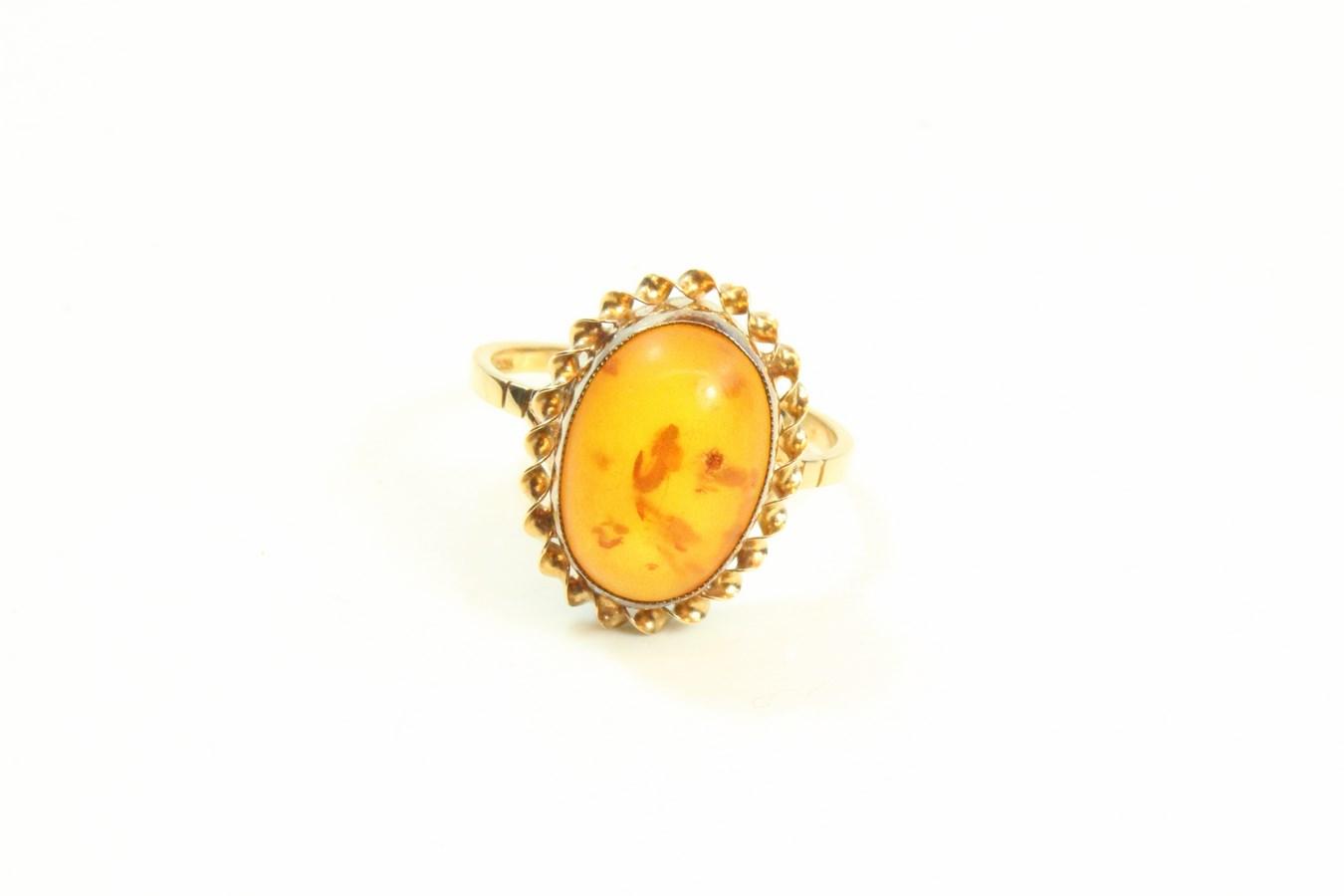 9ct Gold Amber Stone Set Ring